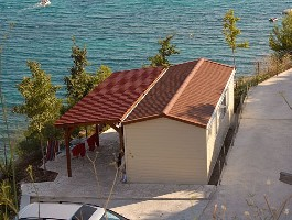 Mobilház egy tengerparton