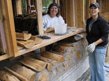 A cordwood rönkház építése